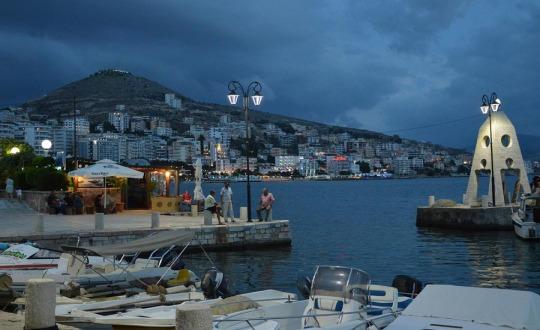 Saranda – albański kurort nad morzem. Co warto zobaczyć w mieście i okolicy (Atrakcje turystyczne, klimat, poradnik)